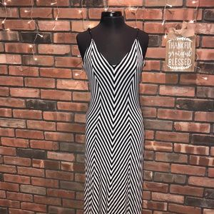 ❥❥Mossimo Black and White Maxi Dress Cotton